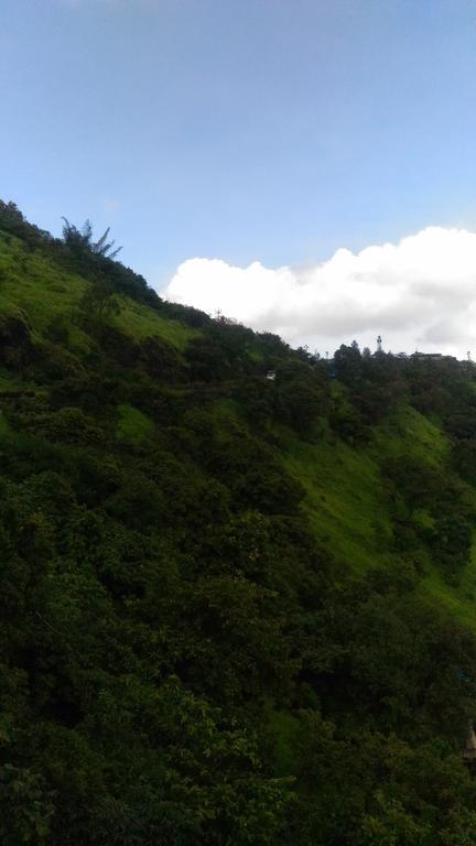 Rose villa lake view in Panchgani