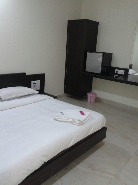Safari Hotel & Resort in somnath