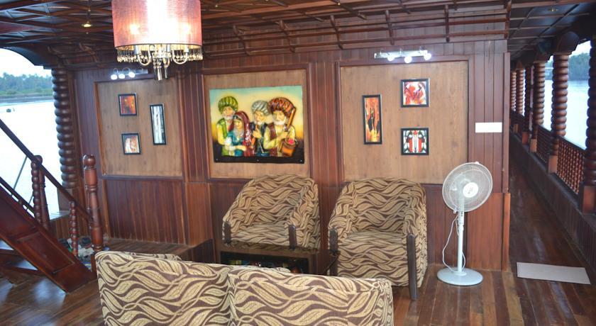 Shri Kute House Boat in Solim