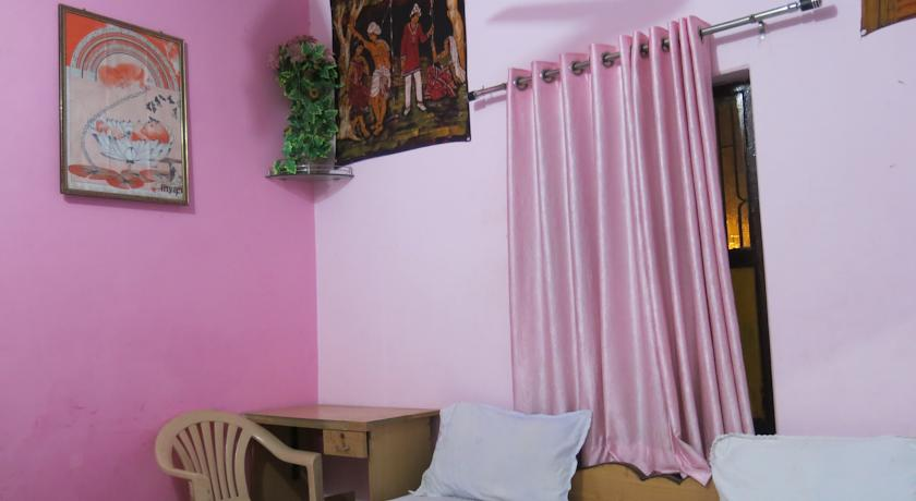 Suraj Guest House in varanasi
