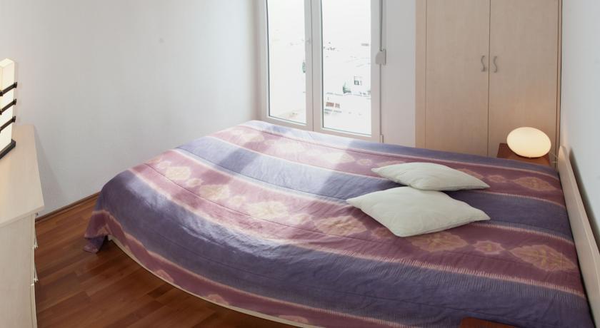 Trstenik Beach Apartment in Split