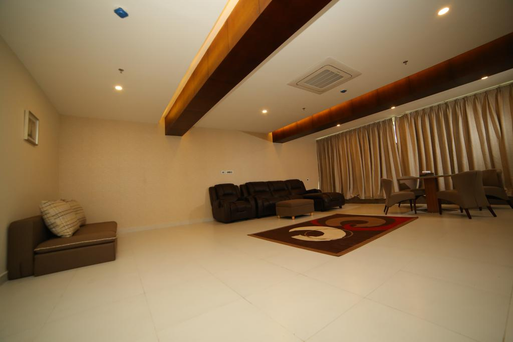 Vavas Inn & Suites in Perintalmanna
