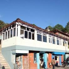 1 Br Guest House In The Mall, Ranikhet (1ecb), By Guesthouser in Sitlakhet