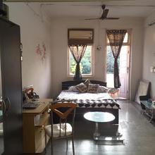 1 Private Ac Bed Room + Kitchen + Wi Fi in Mumbai