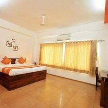 10 Blossoms Serviced Apartments Navrangpura in Ahmedabad