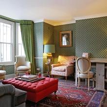 2 Bedroom Notting Hill in Hendon
