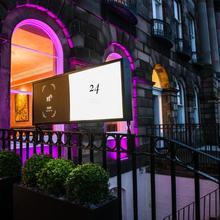 24 Royal Terrace in Edinburgh