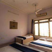 4 Bedroom Villa In Alibag in Dhokaude