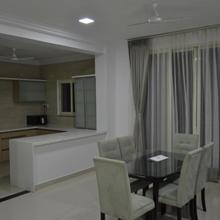 4 Seasons Serviced Apartment in Himayatnagar