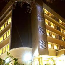 7 Apple Hotel Pune in Mundhva
