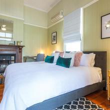 99 Kirkland Bed & Breakfast in Brisbane