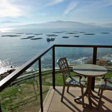 Apartamentos Turisticos Playa de Osmo in Carballal