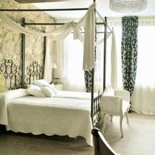 Hotel Rústico y Apartamentos A Torre de Laxe in Ponteceso