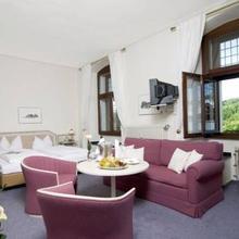 Malteser Komturei Hotel / Restaurant in Kurten