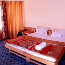 A O Guest House & Home Stay in Deshkit