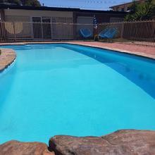 Adelaide's 5 Bedroom Pool House in Adelaide
