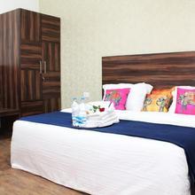 Adhunik Hotel Neemrana in Neemrana