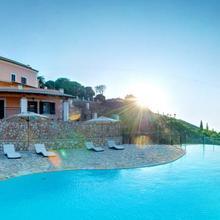 Agallis Corfu Village Residence in Peroulion