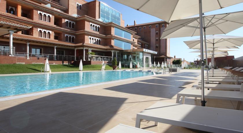 AH Granada Palace Suites Business & Spa in Granada