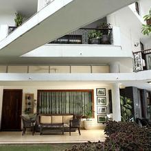 Ahuja Residency Golf Links in New Delhi