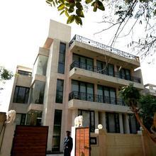 Ahuja Residency Park Lane Gurgaon in Dera Mandi