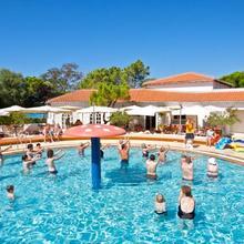 Ai Pini Medulin Resort in Veliki Vareski