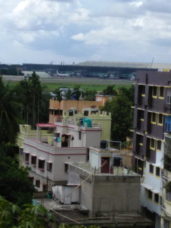 Airport View Kolkata in Titagarh