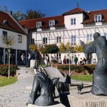 Akademie Schönbrunn Gästehaus St. Klara in Einsbach