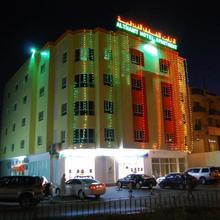 Al Thabit Modern Hotel Apartment in Sur