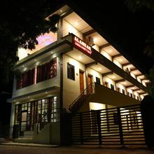 Alankar Lodge in Ilattur