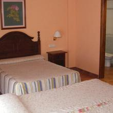 Albenzaire Hotel Asador in El Chaparral