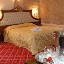 Alexios Luxury Hotel in Dafnoula