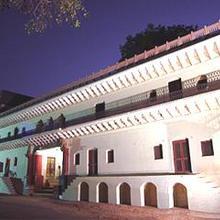Alipura Palace in Ghutai