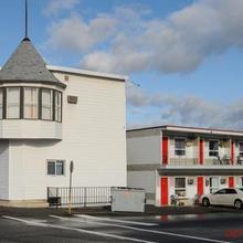 Almo Court Motel in Cranbrook