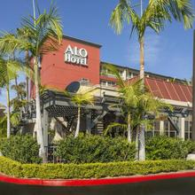 Alo Hotel By Ayres in Anaheim