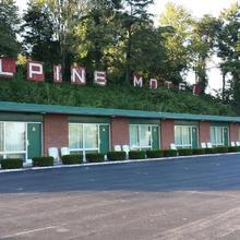 Alpine Motel in Hilander Park