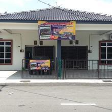 Amanpon's Vacation Home Klebang Melaka in Melaka
