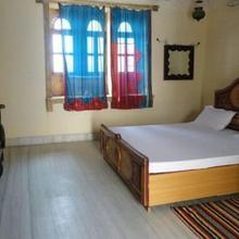 Amaraboti Guest House in Dum Dum