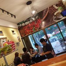 Amaretto Hostel & Amaretto De Coffee Home in Surat Thani