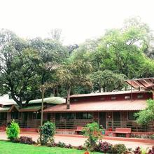 Ambassador Hotel in Wai