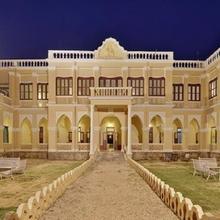 Ambika Niwas Palace in Ramparda