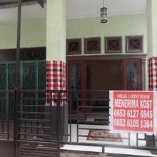 Amelia 3 Guest House in Medan