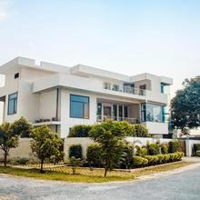 Amore Luxury Villa in Mullanpur Dakha