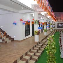 Anand Rihandam in Jainagar