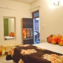 Anukampa Paying Guest House in Agra