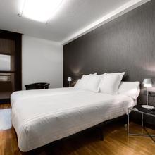 Apartamentos Mendebaldea Suites in Pamplona