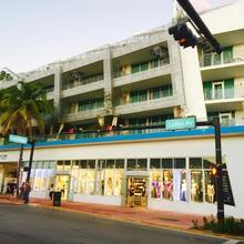 Apartment At De Soleil Hotel On Ocean Drive in Miami Beach