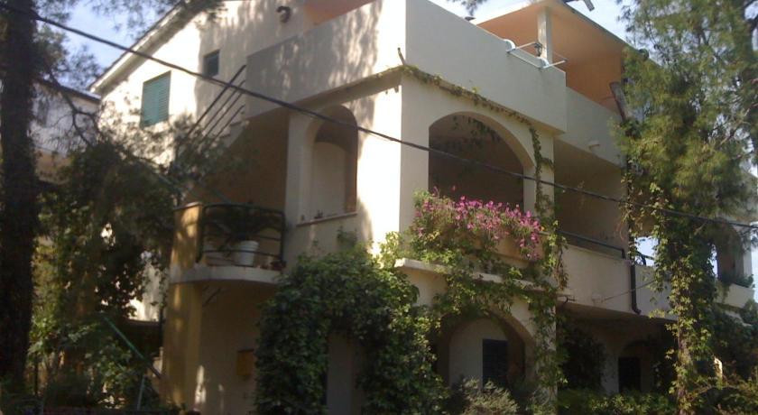 Apartments Grbesa in Prgomet