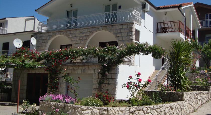 Apartments Marinovic Baćina Lakes in Podaca