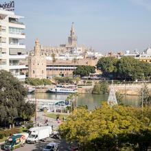 Apartments Olé-plaza De Cuba in Sevilla